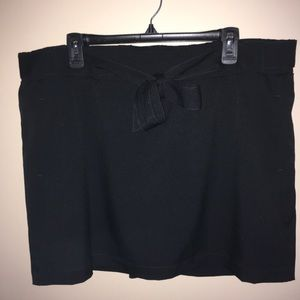 ST JOHN'S BAY Active Wear SKORT Black. EUC